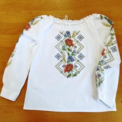 Пошита блузочка для дівчинки ШВД-012 Княгиня Ольга