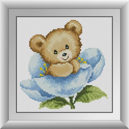 Ведмедик в синій квітці
