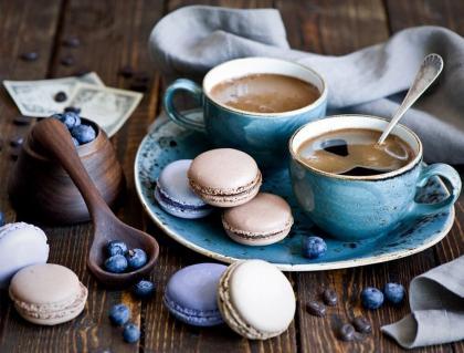 Кава і макаронс