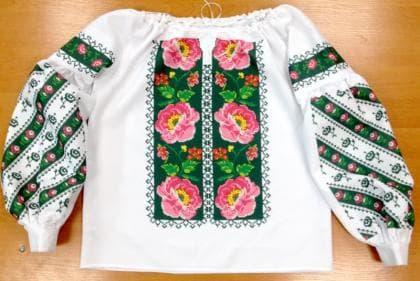 Пошита жіноча блузка