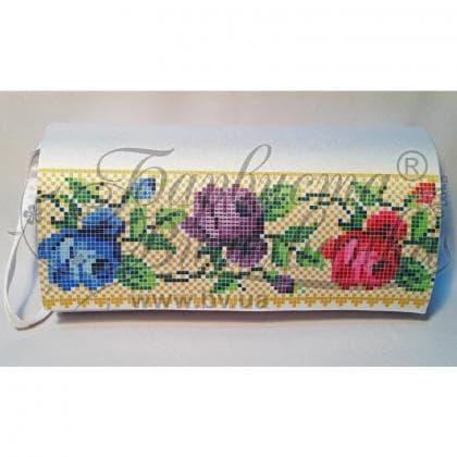 Клатч для вишивки бісером КЛ-006 Барвиста вишиванка