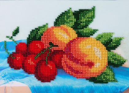 Персики та вишні