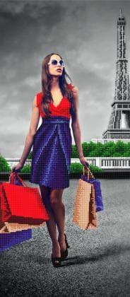 Жінка в Парижі