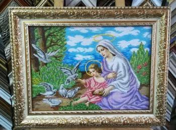 Марія і немовля Ісус із голубами