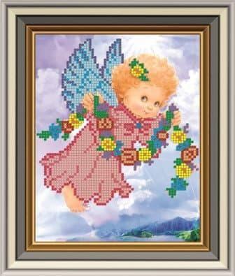 Ангелочок з віночком