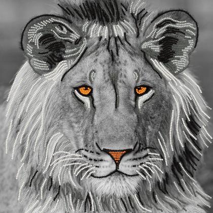 Сріблястий лев TG-047c Світарт